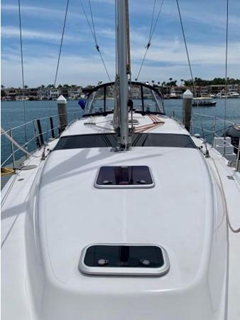 2011 HUNTER 45 Deck Salon Cruising/Racing Sailboat 2595069
