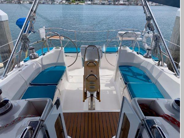 2011 HUNTER 45 Deck Salon Cruising/Racing Sailboat 2595073