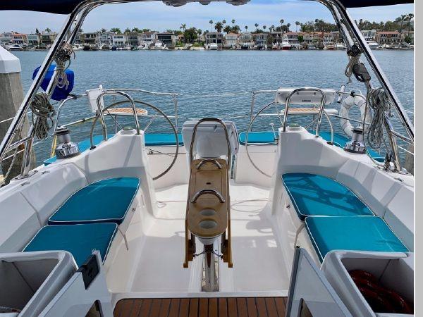 2011 HUNTER 45 Deck Salon Cruising/Racing Sailboat 2595075