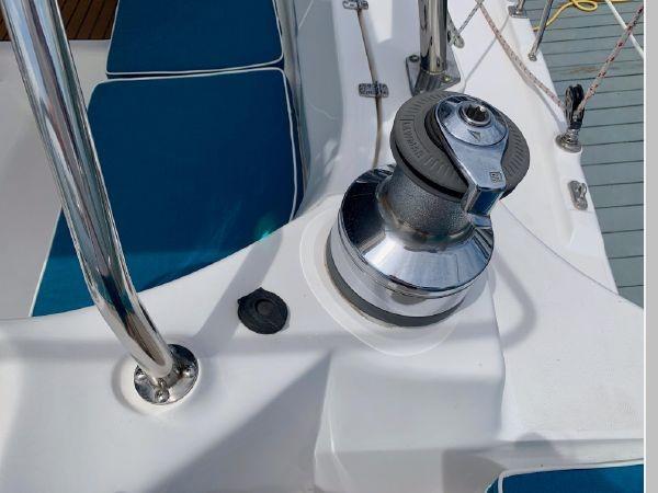 2011 HUNTER 45 Deck Salon Cruising/Racing Sailboat 2595081