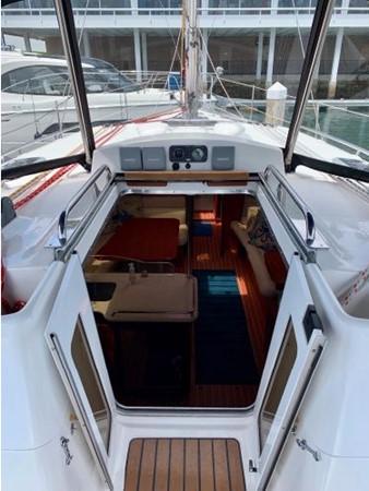 2011 HUNTER 45 Deck Salon Cruising/Racing Sailboat 2595088