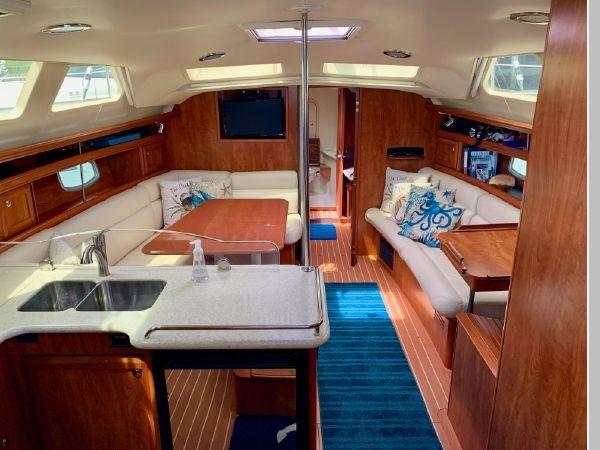 2011 HUNTER 45 Deck Salon Cruising/Racing Sailboat 2595090