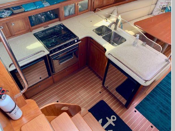 2011 HUNTER 45 Deck Salon Cruising/Racing Sailboat 2595091
