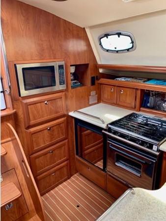 2011 HUNTER 45 Deck Salon Cruising/Racing Sailboat 2595093