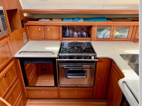 2011 HUNTER 45 Deck Salon Cruising/Racing Sailboat 2595094