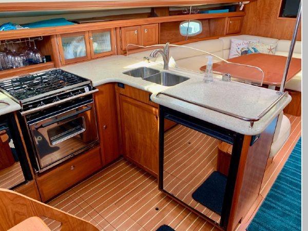 2011 HUNTER 45 Deck Salon Cruising/Racing Sailboat 2595095