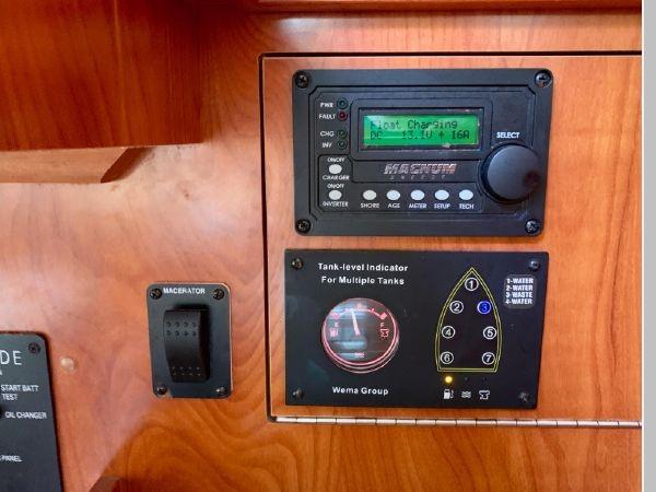 2011 HUNTER 45 Deck Salon Cruising/Racing Sailboat 2595098