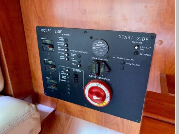2011 HUNTER 45 Deck Salon Cruising/Racing Sailboat 2595099