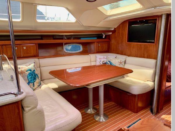 2011 HUNTER 45 Deck Salon Cruising/Racing Sailboat 2595101