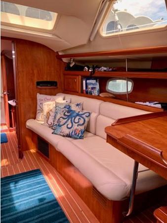 2011 HUNTER 45 Deck Salon Cruising/Racing Sailboat 2595102