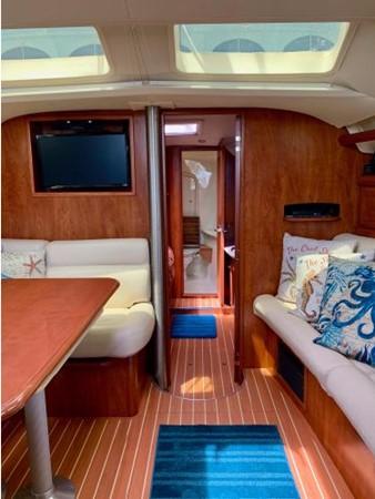 2011 HUNTER 45 Deck Salon Cruising/Racing Sailboat 2595103