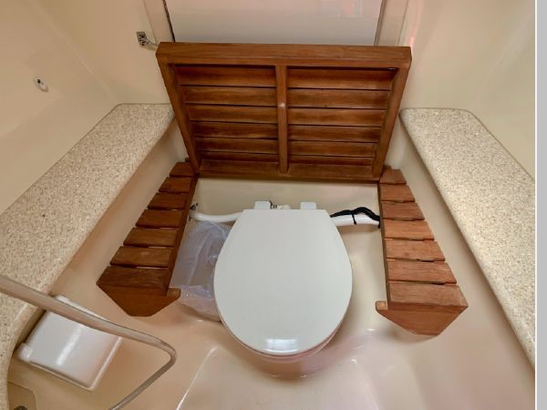 2011 HUNTER 45 Deck Salon Cruising/Racing Sailboat 2595107