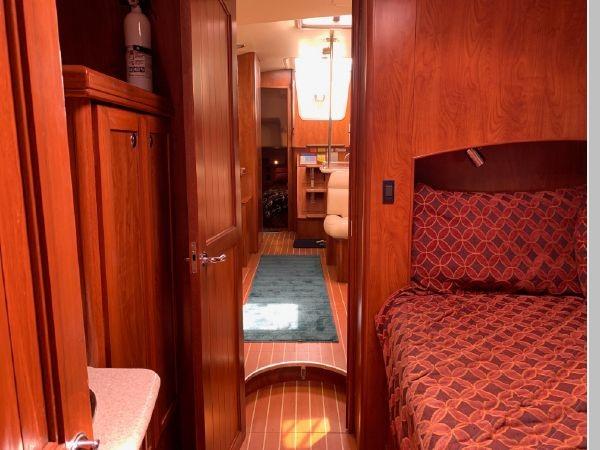 2011 HUNTER 45 Deck Salon Cruising/Racing Sailboat 2595109