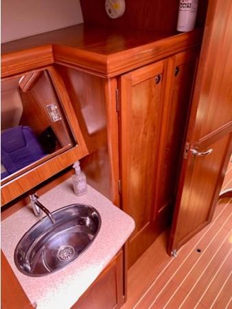 2011 HUNTER 45 Deck Salon Cruising/Racing Sailboat 2595110
