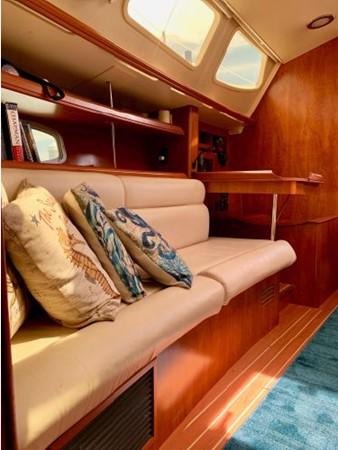 2011 HUNTER 45 Deck Salon Cruising/Racing Sailboat 2595111