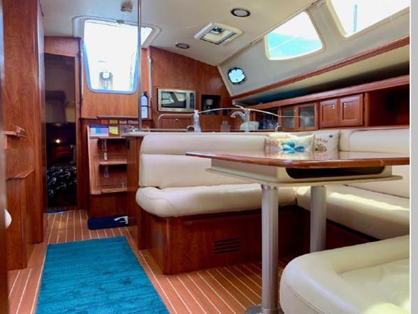 2011 HUNTER 45 Deck Salon Cruising/Racing Sailboat 2595112