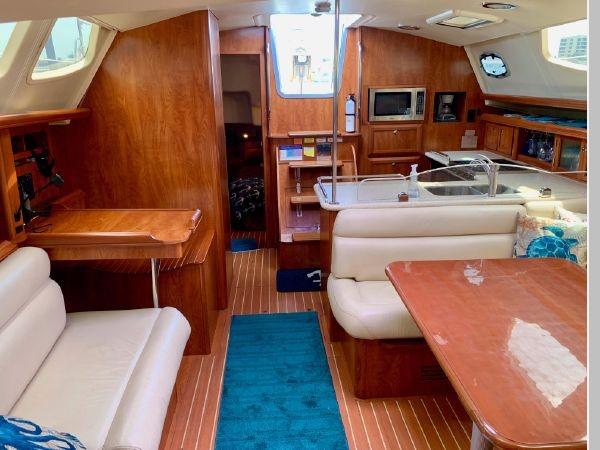 2011 HUNTER 45 Deck Salon Cruising/Racing Sailboat 2595113