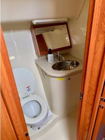 2011 HUNTER 45 Deck Salon Cruising/Racing Sailboat 2595114
