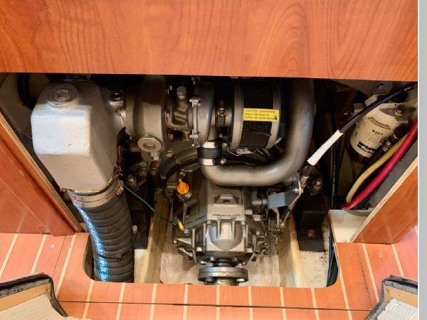 2011 HUNTER 45 Deck Salon Cruising/Racing Sailboat 2595125