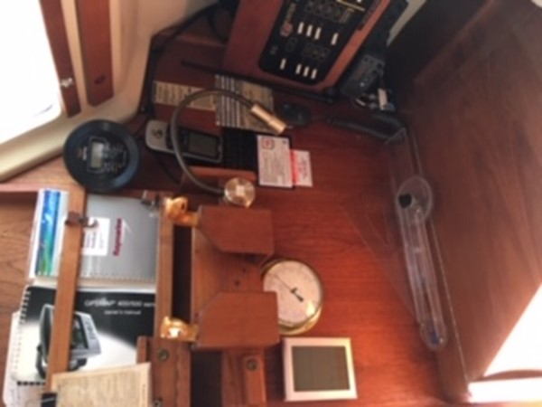 1990 HUNTER MARINE 30-2 Cruising/Racing Sailboat 2595862