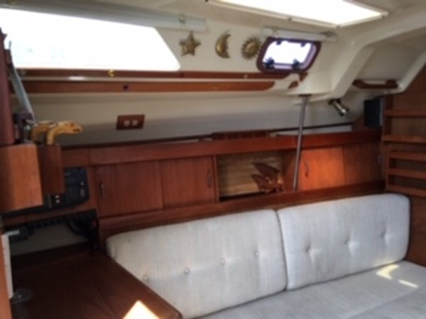1990 HUNTER MARINE 30-2 Cruising/Racing Sailboat 2595867