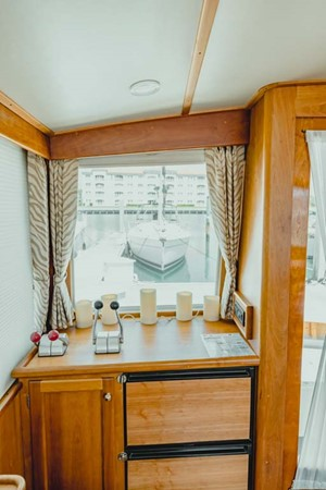 Aft Helm - Refrigerator, Freezer 2007 CUSTOM Downeast Eastbay Style Cruiser 2597043