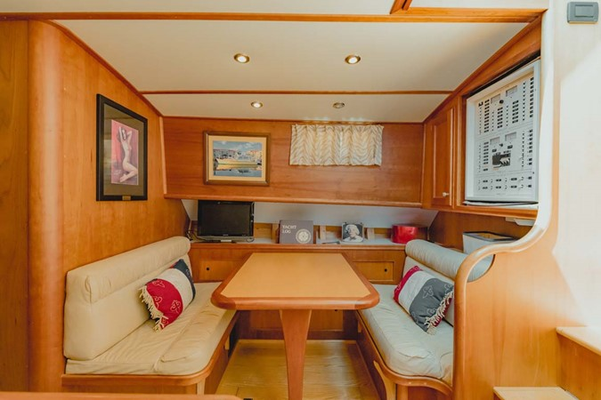 Dinette 2007 CUSTOM Downeast Eastbay Style Cruiser 2597046