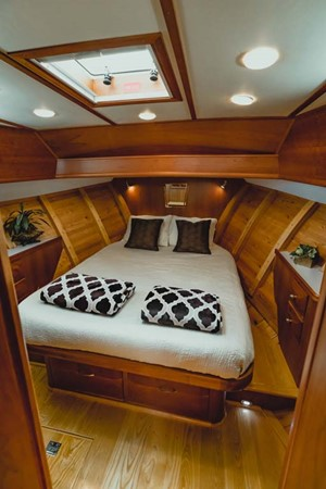 Master Stateroom 2007 CUSTOM Downeast Eastbay Style Cruiser 2597053