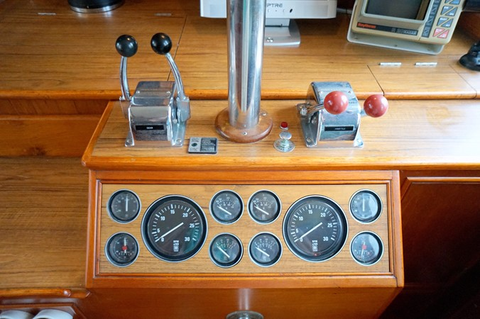 1988 GRAND BANKS Classic Trawler 2598386