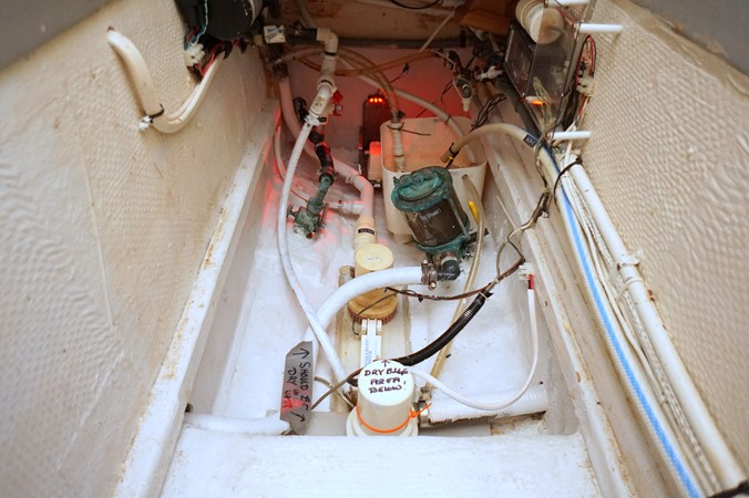 1988 GRAND BANKS Classic Trawler 2598427