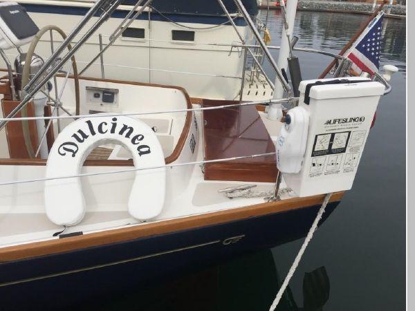 1989 HINCKLEY Sou'wester 42 Cruising Sailboat 2597825