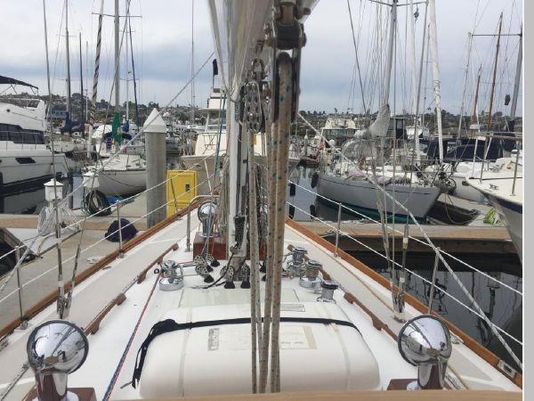 1989 HINCKLEY Sou'wester 42 Cruising Sailboat 2597834