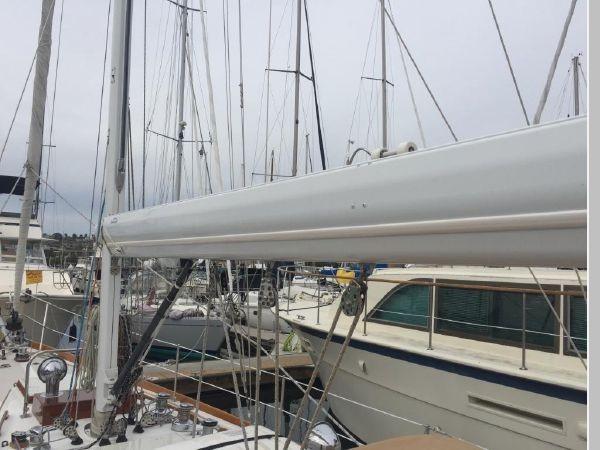 1989 HINCKLEY Sou'wester 42 Cruising Sailboat 2597835