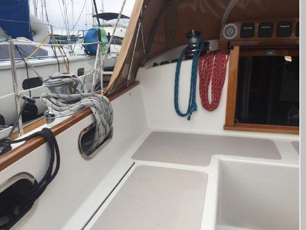 1989 HINCKLEY Sou'wester 42 Cruising Sailboat 2597838