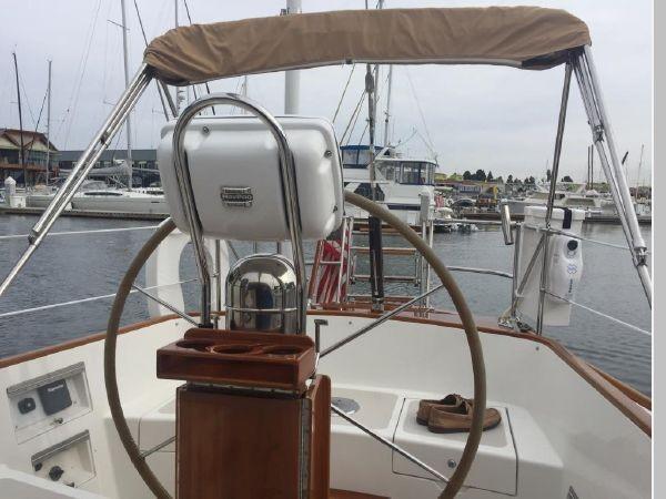 1989 HINCKLEY Sou'wester 42 Cruising Sailboat 2597842