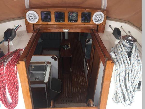 1989 HINCKLEY Sou'wester 42 Cruising Sailboat 2597855