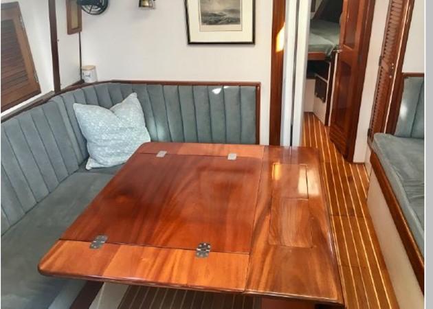 1989 HINCKLEY Sou'wester 42 Cruising Sailboat 2597861