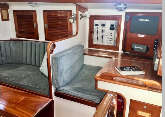 1989 HINCKLEY Sou'wester 42 Cruising Sailboat 2597864