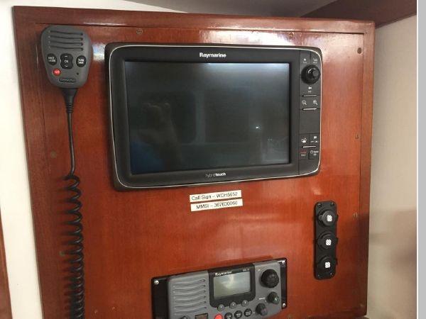 1989 HINCKLEY Sou'wester 42 Cruising Sailboat 2597866