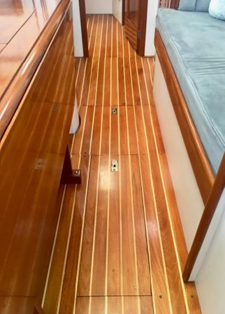 1989 HINCKLEY Sou'wester 42 Cruising Sailboat 2597886