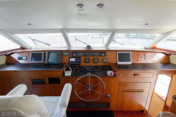 Pilothouse Helm 1999 BROWARD Motor Yacht Motor Yacht 2598505
