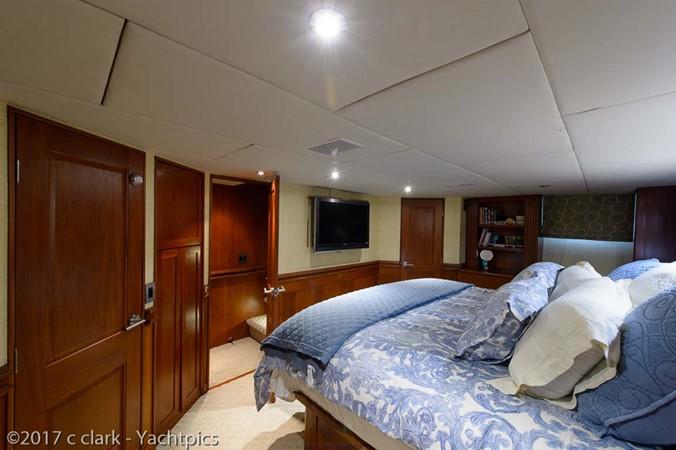 Master Stateroom 1999 BROWARD Motor Yacht Motor Yacht 2598526