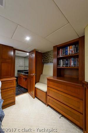 Master Stateroom 1999 BROWARD Motor Yacht Motor Yacht 2598529