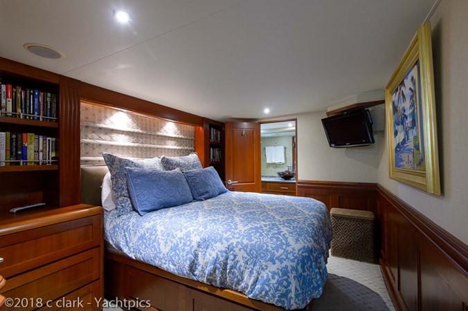 Starboard Guest Stateroom 1999 BROWARD Motor Yacht Motor Yacht 2598543