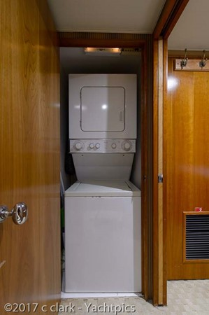 Washer and Dryer 1999 BROWARD Motor Yacht Motor Yacht 2598555