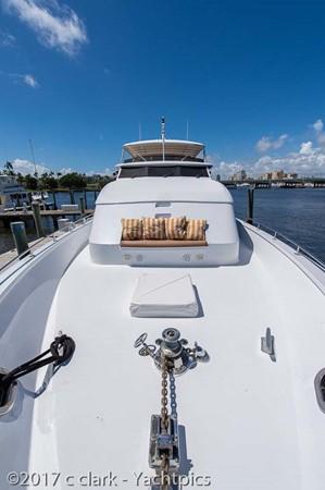 Windlass and Foredeck Seating 1999 BROWARD Motor Yacht Motor Yacht 2598559