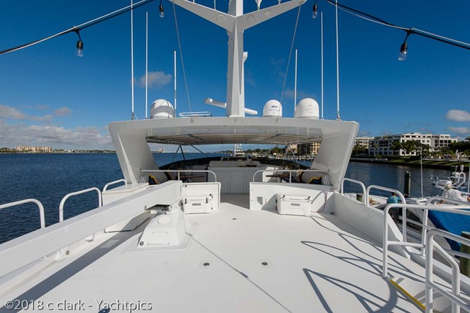 Radar Arch and Davit 1999 BROWARD Motor Yacht Motor Yacht 2598575
