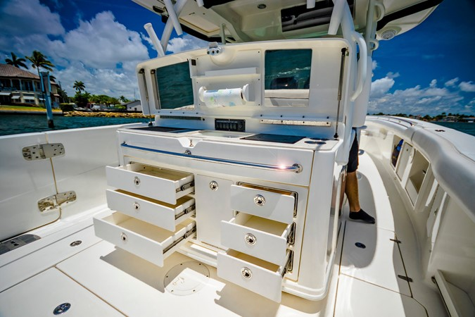 2014 BOSTON WHALER Outrage Center Console 2598492