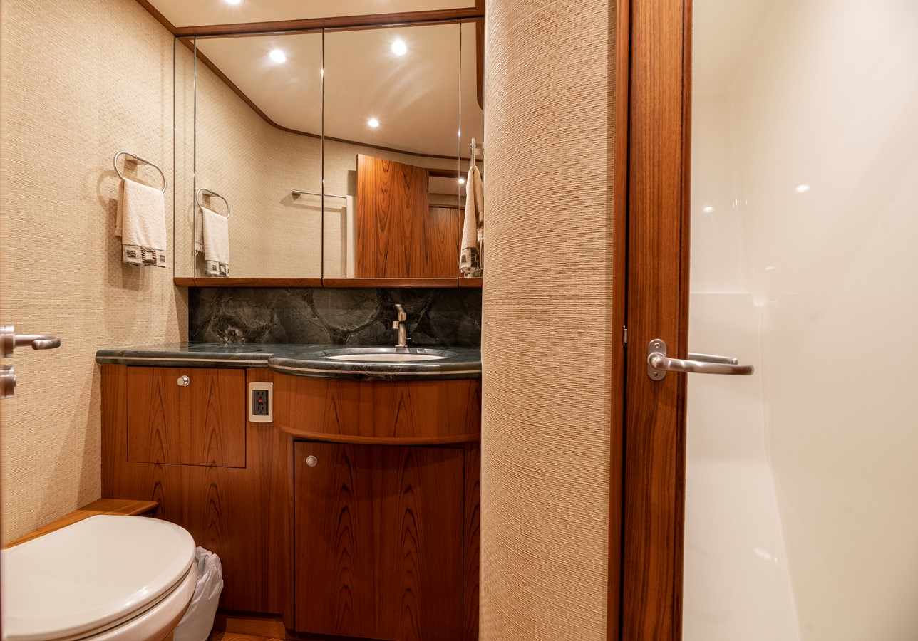 Master Bath 2011 MERRITT BOAT WORKS Enclosed Bridge  Sport Fisherman 2598727