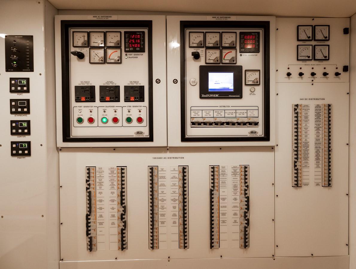 Electrical Panels 2011 MERRITT BOAT WORKS Enclosed Bridge  Sport Fisherman 2598743